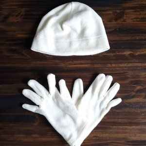 Target One Size Ivory Gloves and Beanie